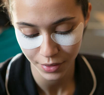 Best Under Eye Puffiness Reducer (Celebrities Use This)